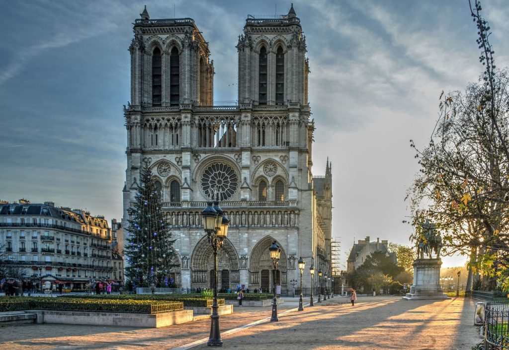 Notre Dame_Tapsy Blog