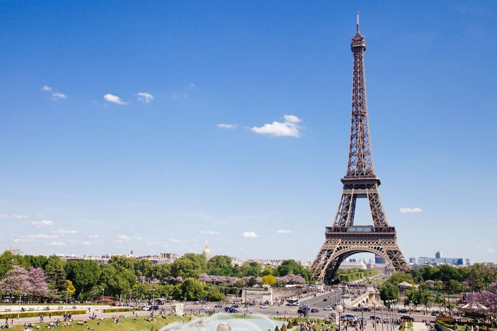 Eiffel Tower_Paris with kids_Tapsy Tours