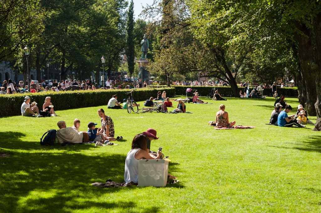 Esplanadi Park in Helsinki with kids: Tapsy Blog