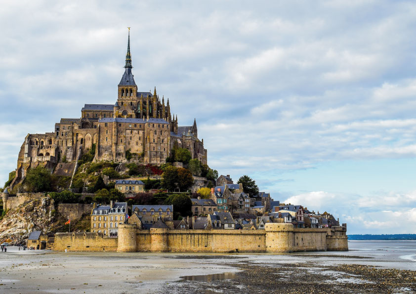 Family day trips from Paris_MONT-SAINT-MICHEL_Tapsy Blog