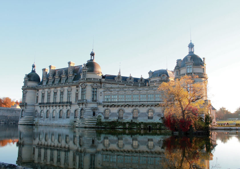 Family day trips from Paris_CHÂTEAU DE CHANTILLY_Tapsy Blog