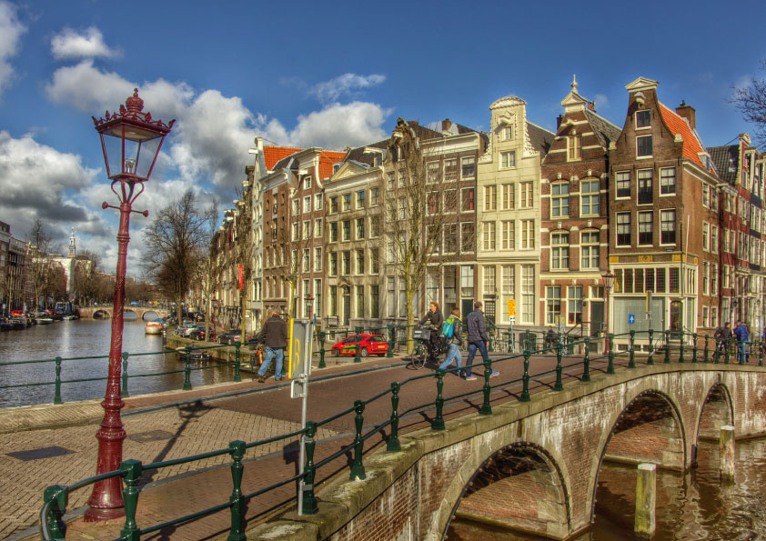 happiest country in the world_Netherlands_Amsterdam_Tapsy Blog